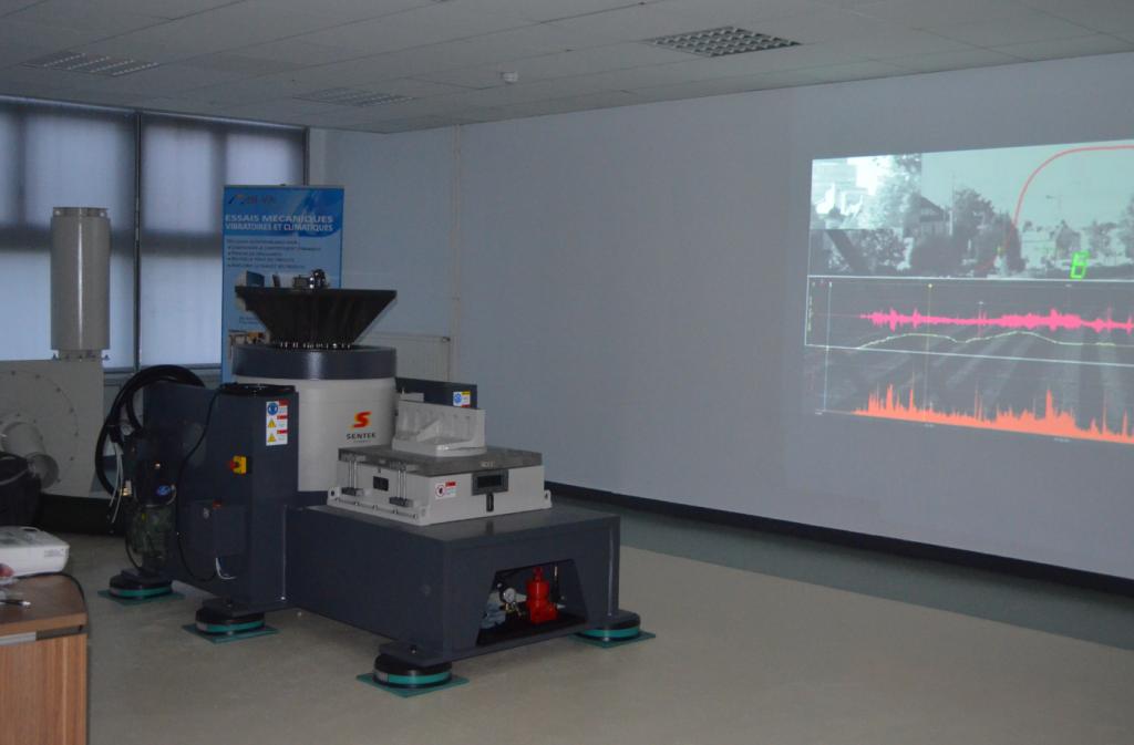 Une vue de la plateforme TREVISE dédiée à l'analyse vibratoire et aux applications mécatroniques